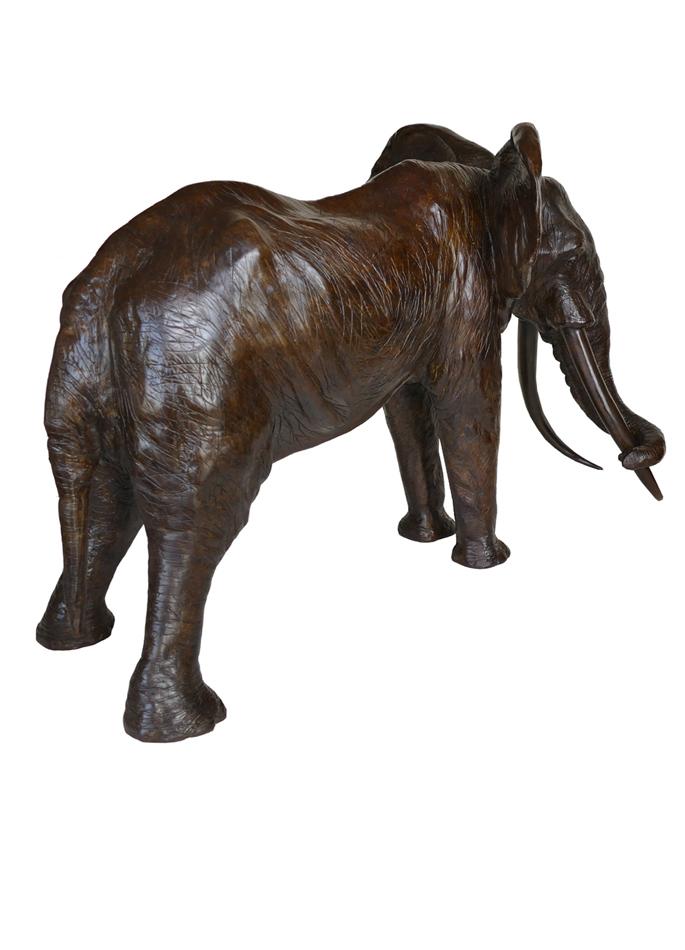 Damien Colcombet-Le grand patriarche (vieil éléphant d'Afrique, agrandissement)
